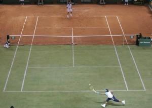 pista de tenis híbrida