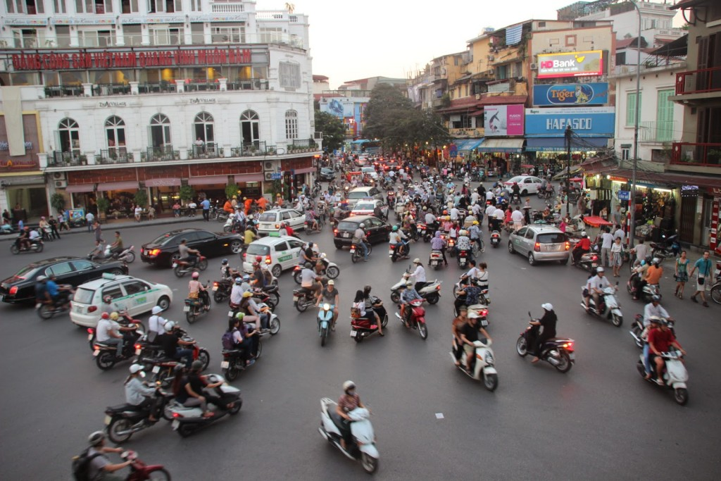 caos trafico Hanoi